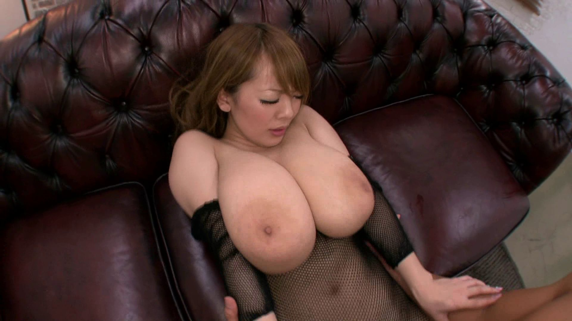 busty-asian-lusoporno