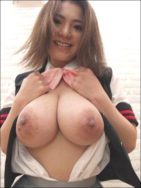 Busty tits hd